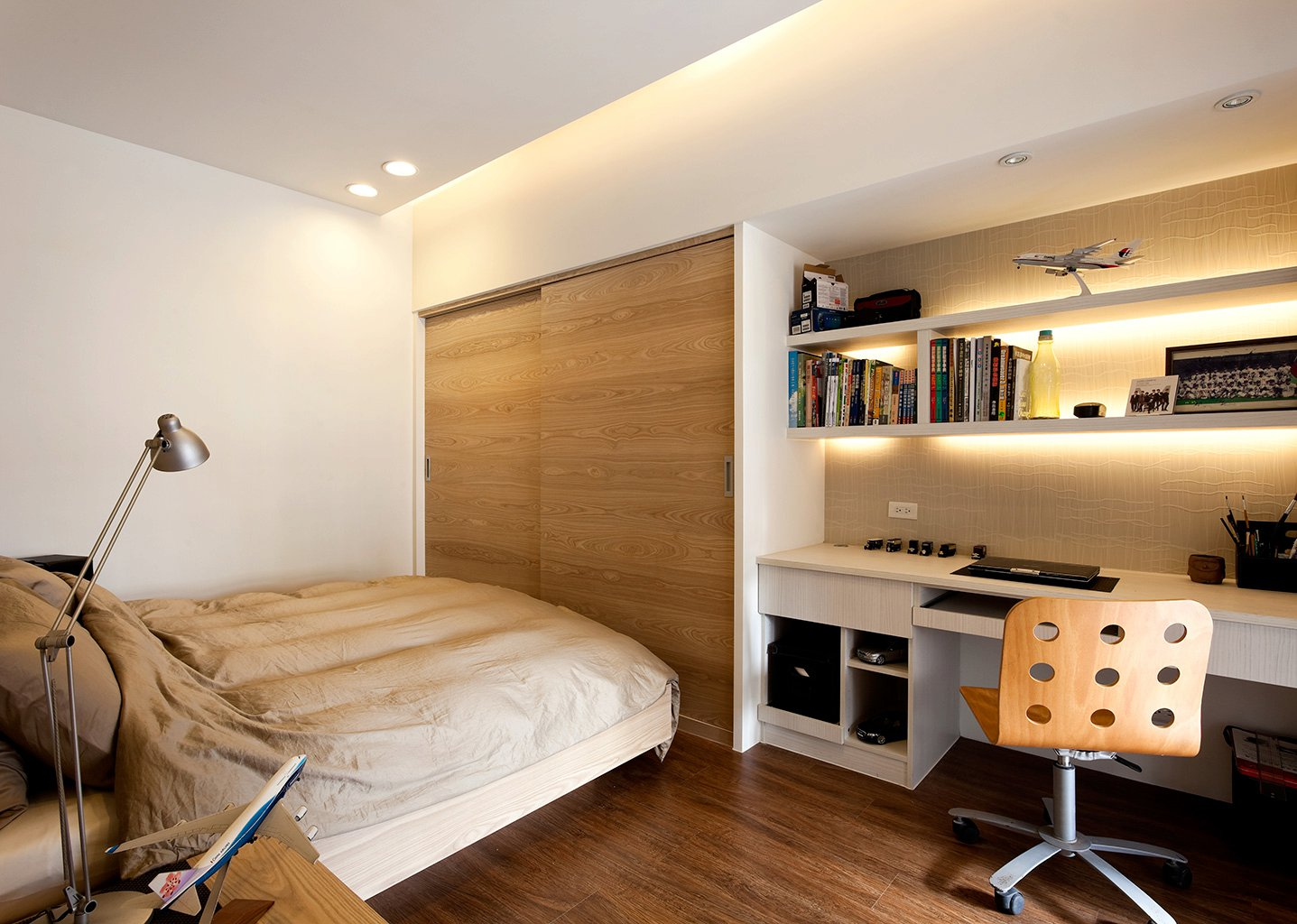 Compact-bedroom-design