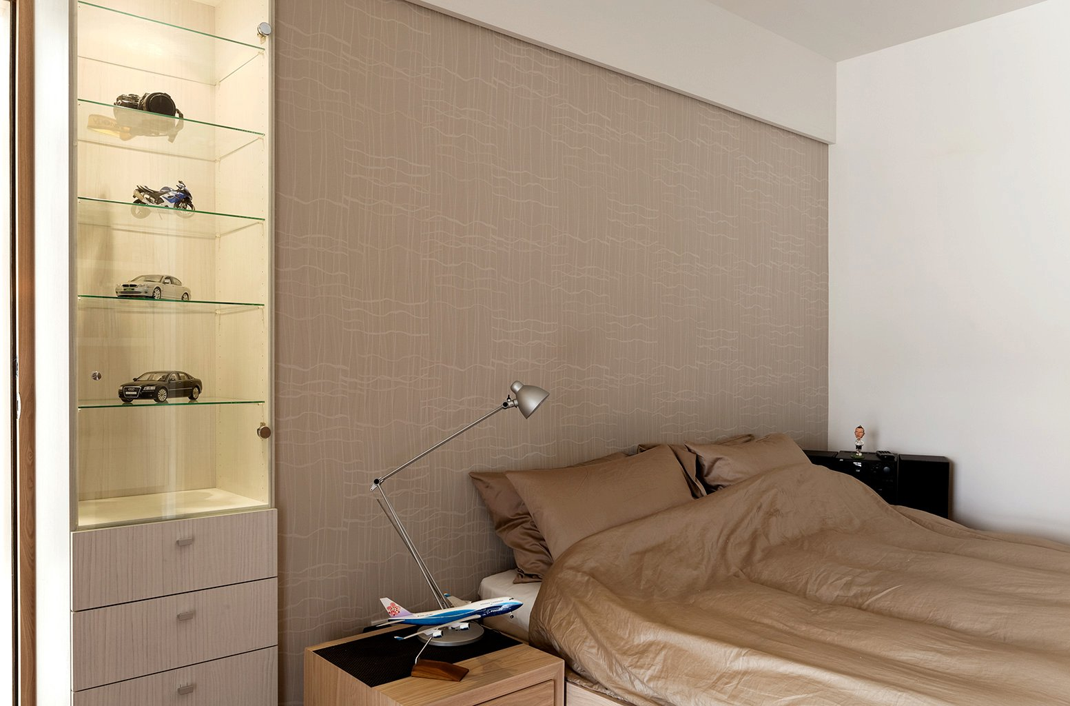 Cool-neutral-bedroom