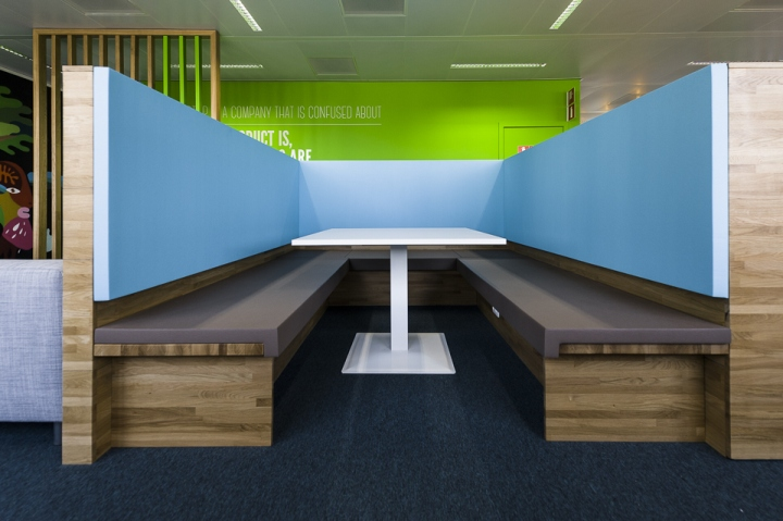 Nest-office-by-Twodesigners-Mont-Saint-Guibert-Belgium-03